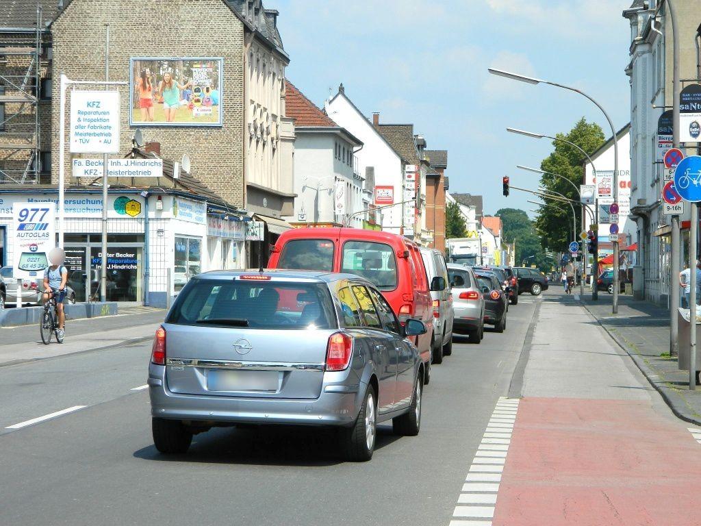 Bergisch-Gladbacher-Str.  981 li. quer B506
