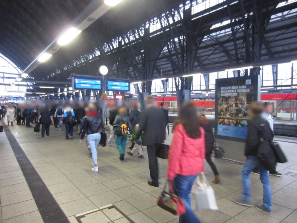 Hbf, Bahnsteig Gleis 5/6 Abschnitt B, Seite Gl. 5