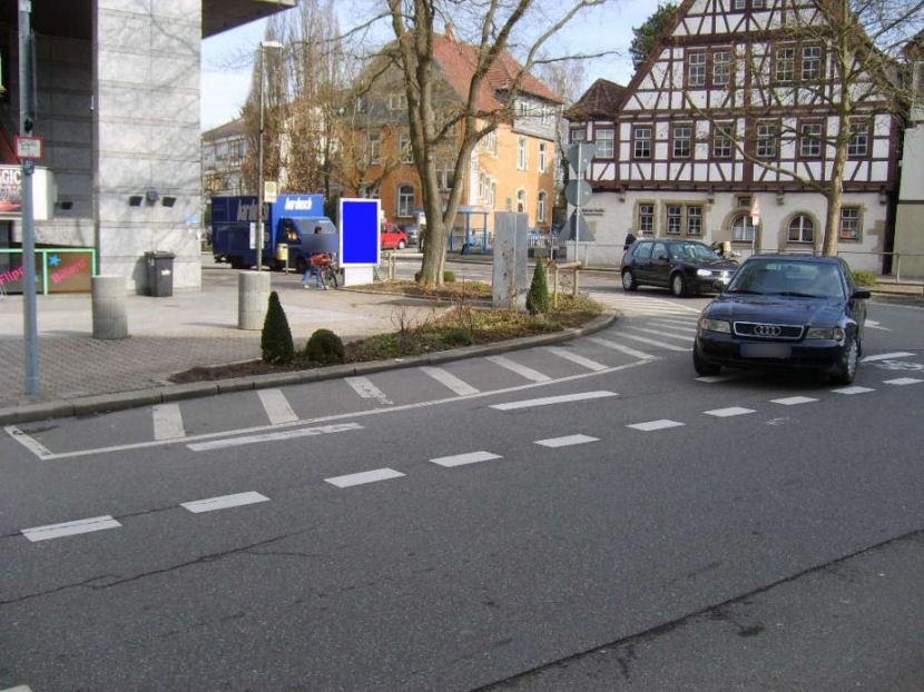 Corbeil-Essonnes-Platz/Obere Vorst We.li.