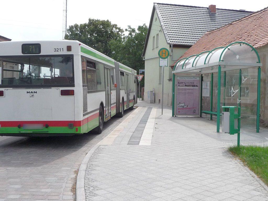 Stephan-Schütze-Platz/Helmstedter Ch. We.re.