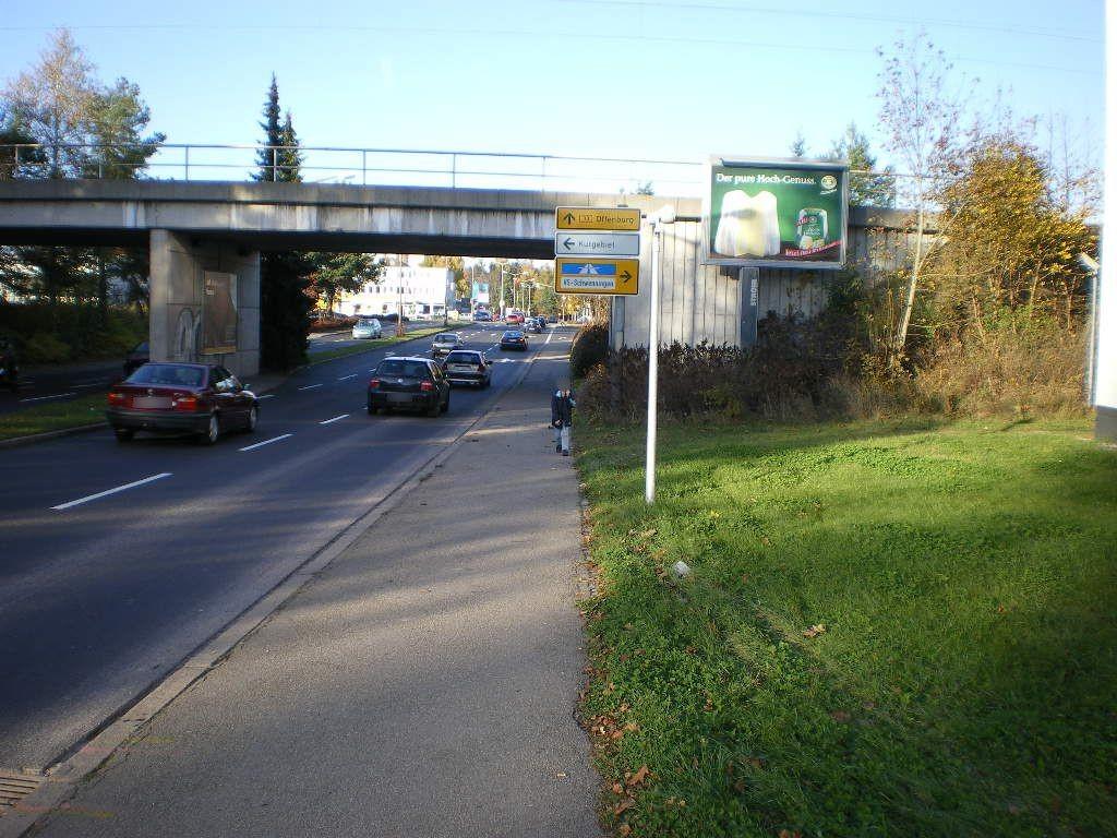 Richthofenstr. vor DB-Brücke re. CS