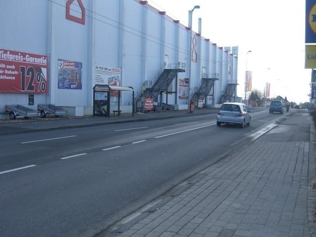 Focher Str. vor Bauhaus/We.li.