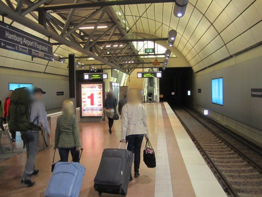 S-Bf HH Airport, Bahnsteig, vom T1, 2.Sto.