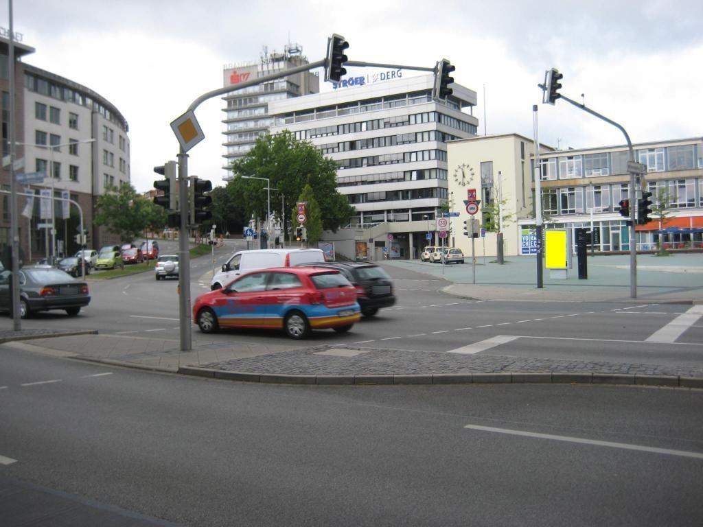 Hbf, Bahnhofsvorplatz, Seite EG