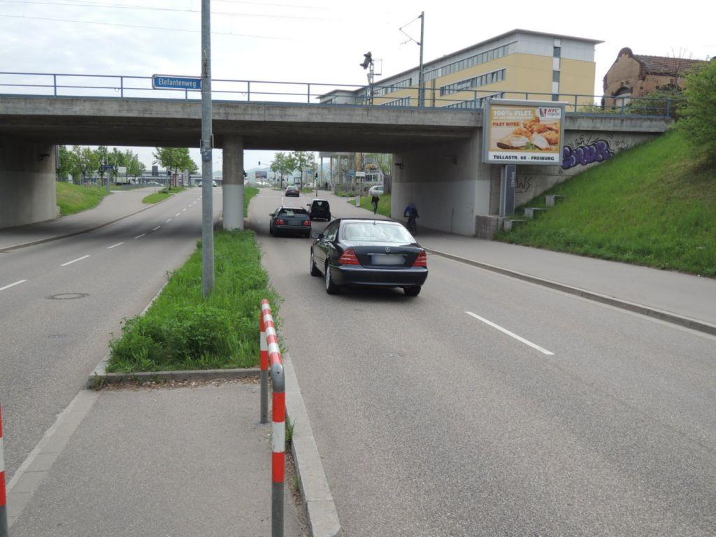 Berliner Allee/Berliner Ring vor DB-Brücke saw. CS