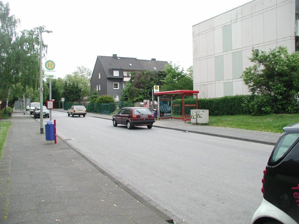 Uhlenbroicher Weg 122-124 Nh. Saarner Str./We.re.