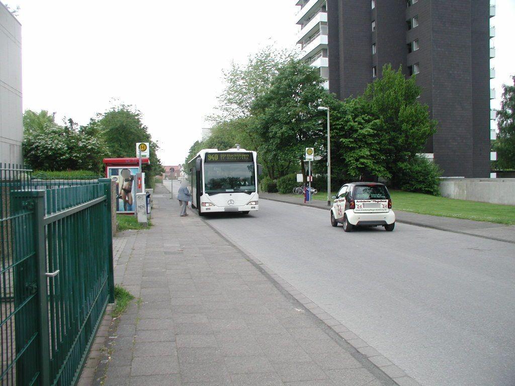 Uhlenbroicher Weg 122-124 Nh. Saarner Str./We.li.