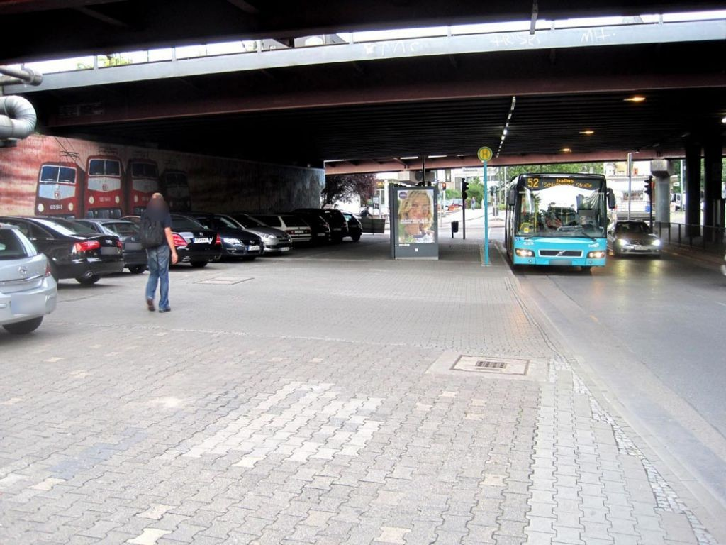 Mainzer Landstr. 257/Camberger Brücke/aussen