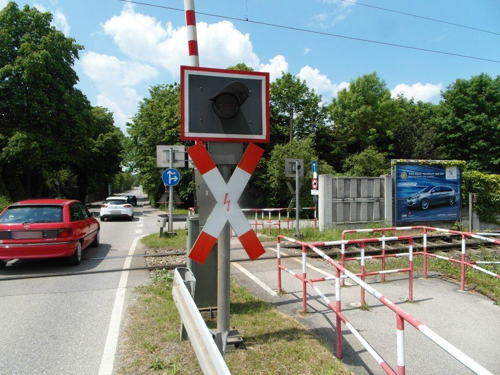 Schittgablerstr./Berberitzenstr. Bahnüberg. VS