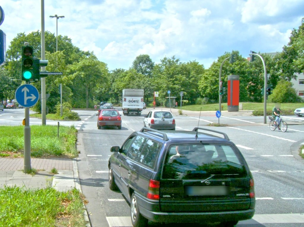 Poppenbütteler Weg/Ruscheweyhstr.