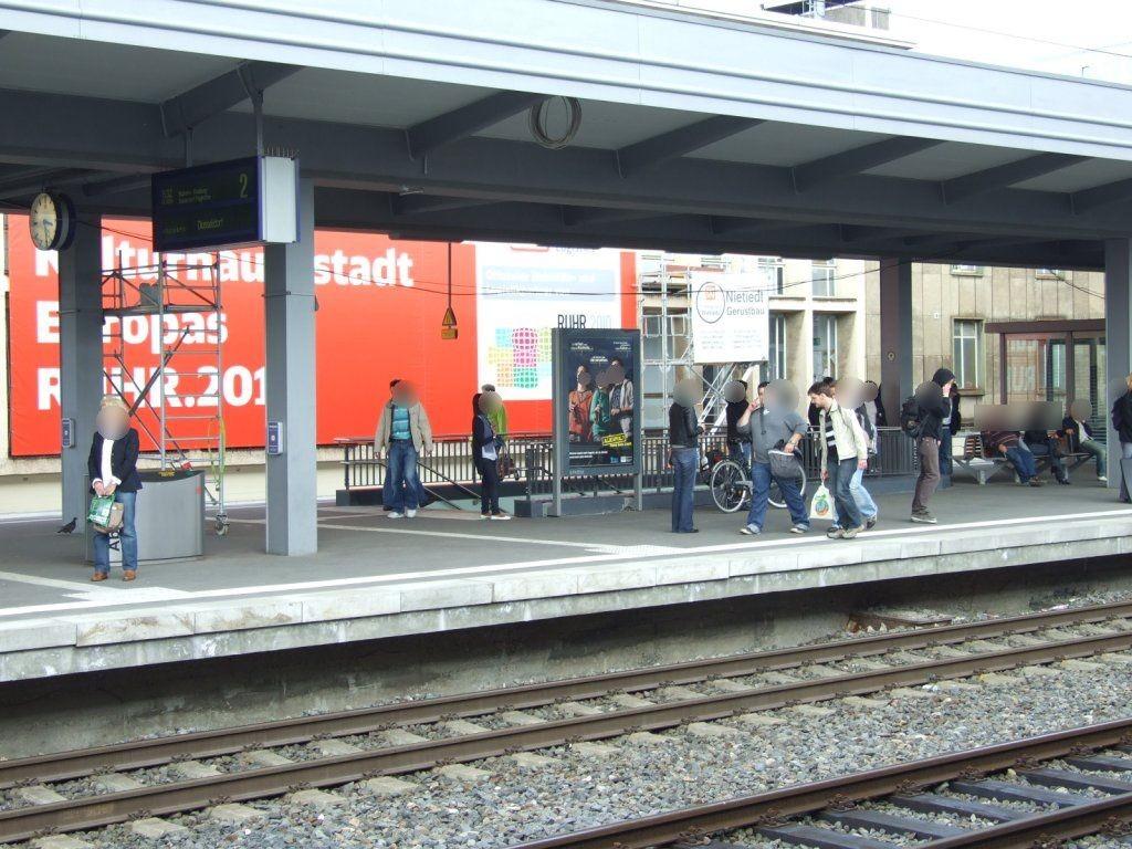 Hbf, Bstg. Gleis 2/Treppenabg. West/Si. Gleis