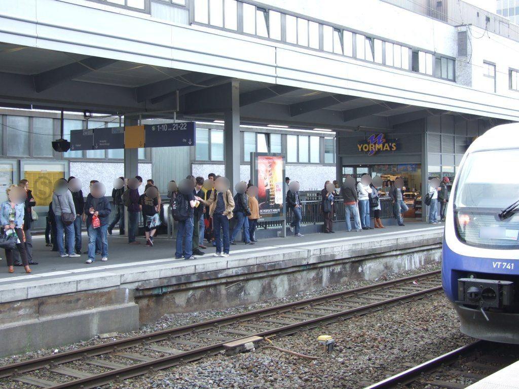 Hbf /Bstg. Gleis 11/Fahrtreppe Ost/Si. Gleis