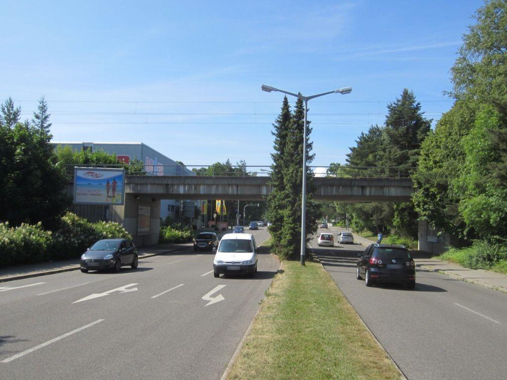 Richthofenstr. vor DB-Brücke li. CS