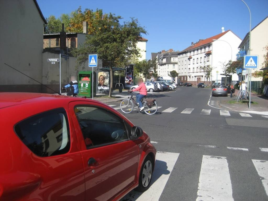 Konstanzer Str./Pfortenstr. 32/aussen