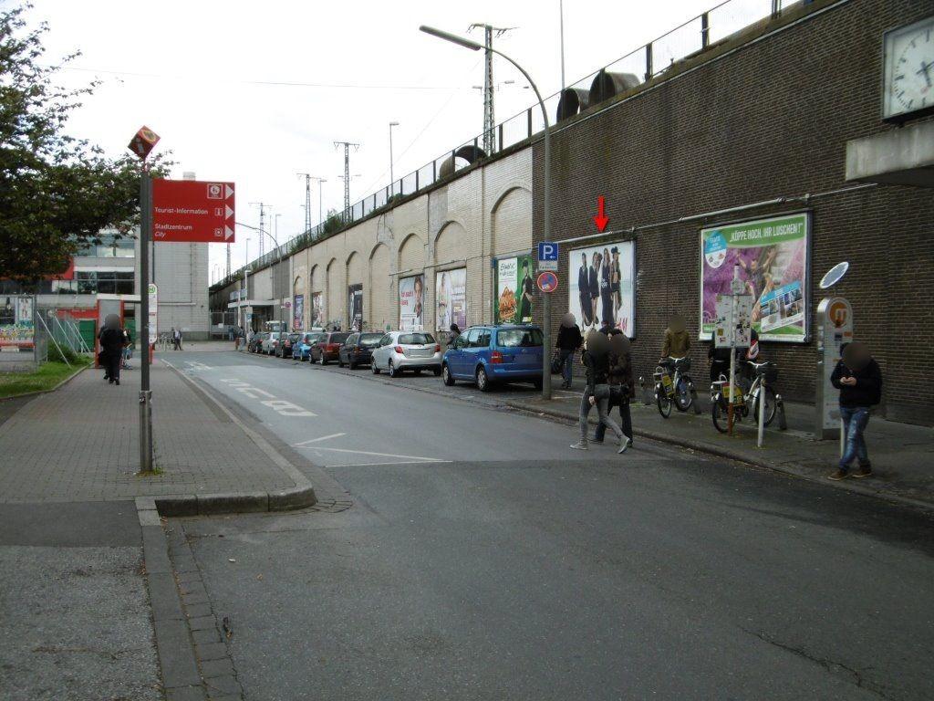 Hbf, Paul-Winzen-Str. zw.Zug.U-Bahn u.Hbf,7. Tafel