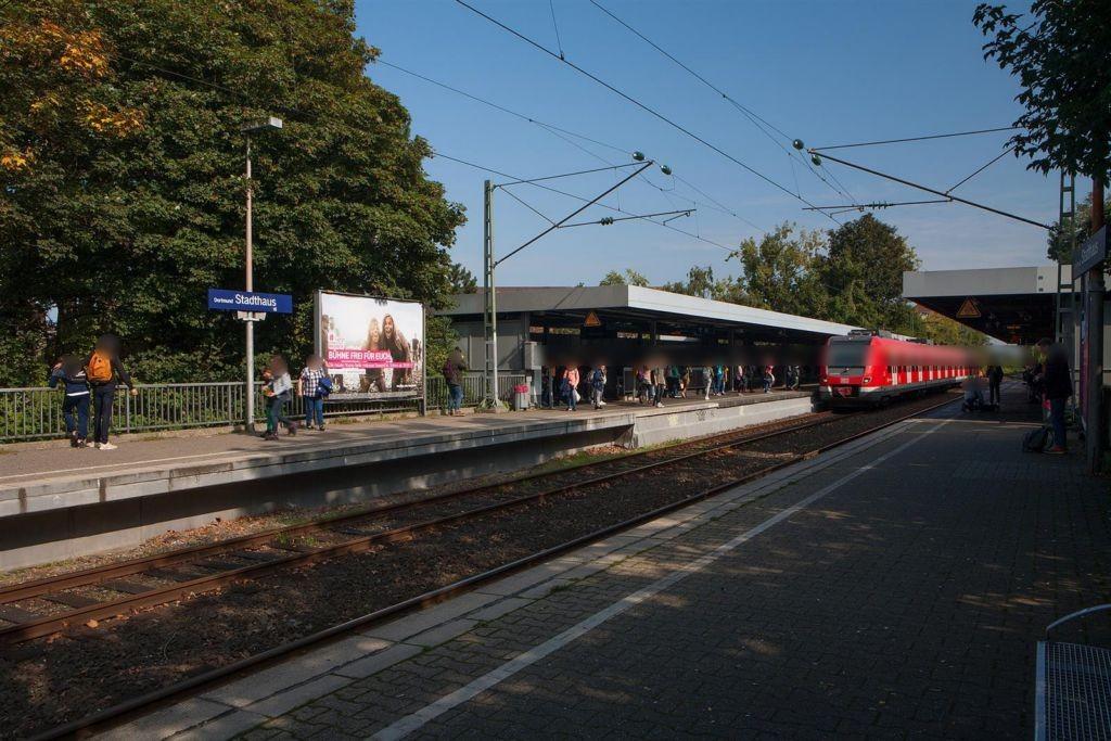 S-Bf Stadthaus, Bstg. Gleis 2, 1. Sto.