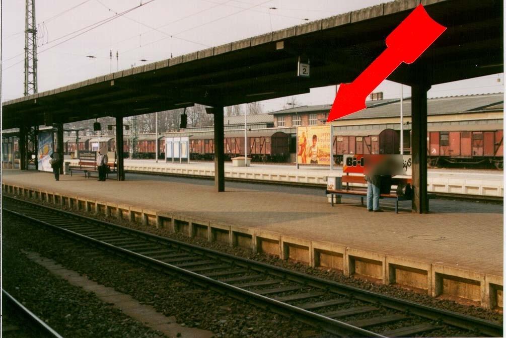 Bf,  Bahnsteig, Gleis 4, 2 .Sto.