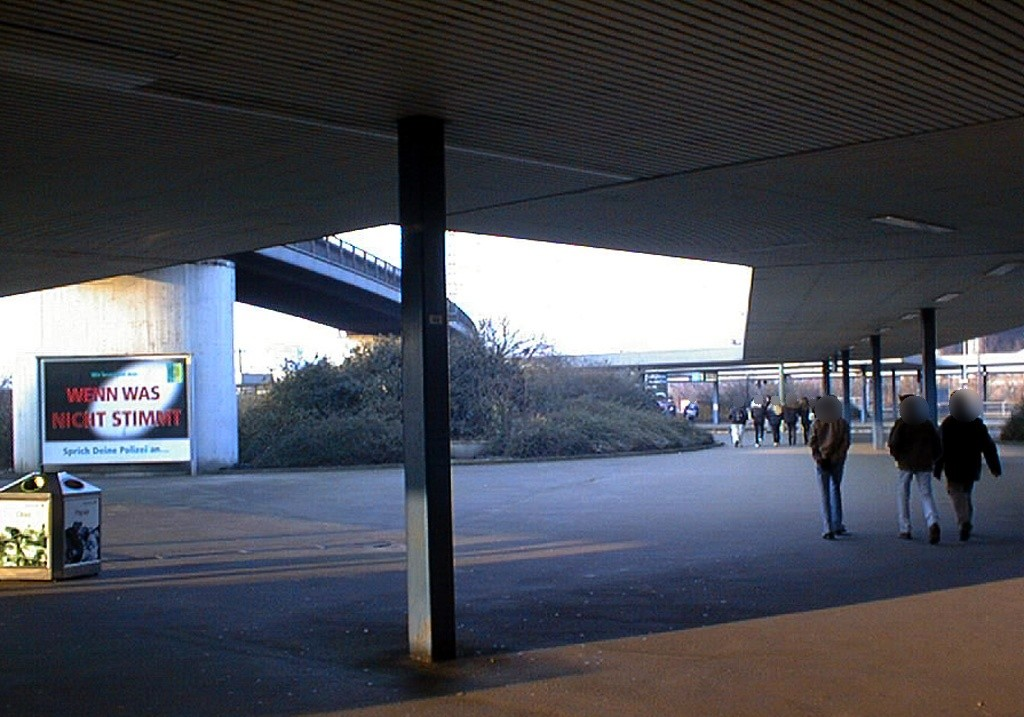 Hbf, v. Stützpfeileram Rondell