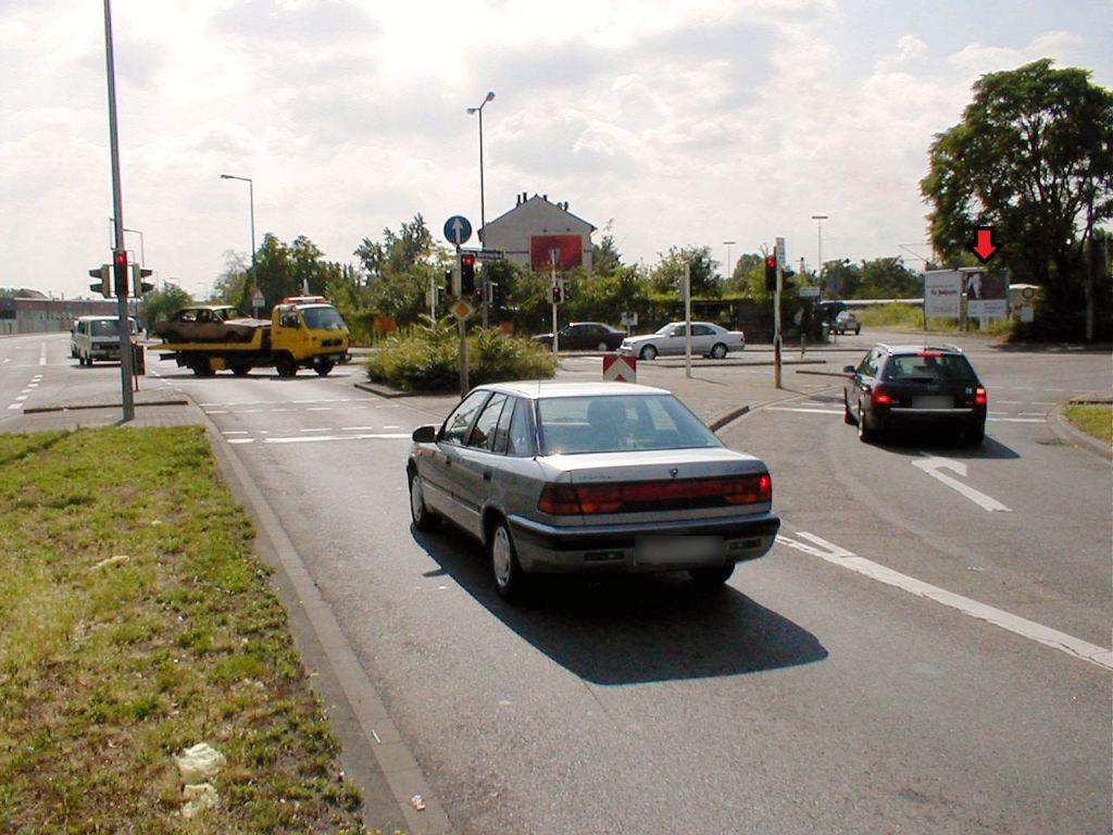 Zum Herrenried/Hafenbahnstr.