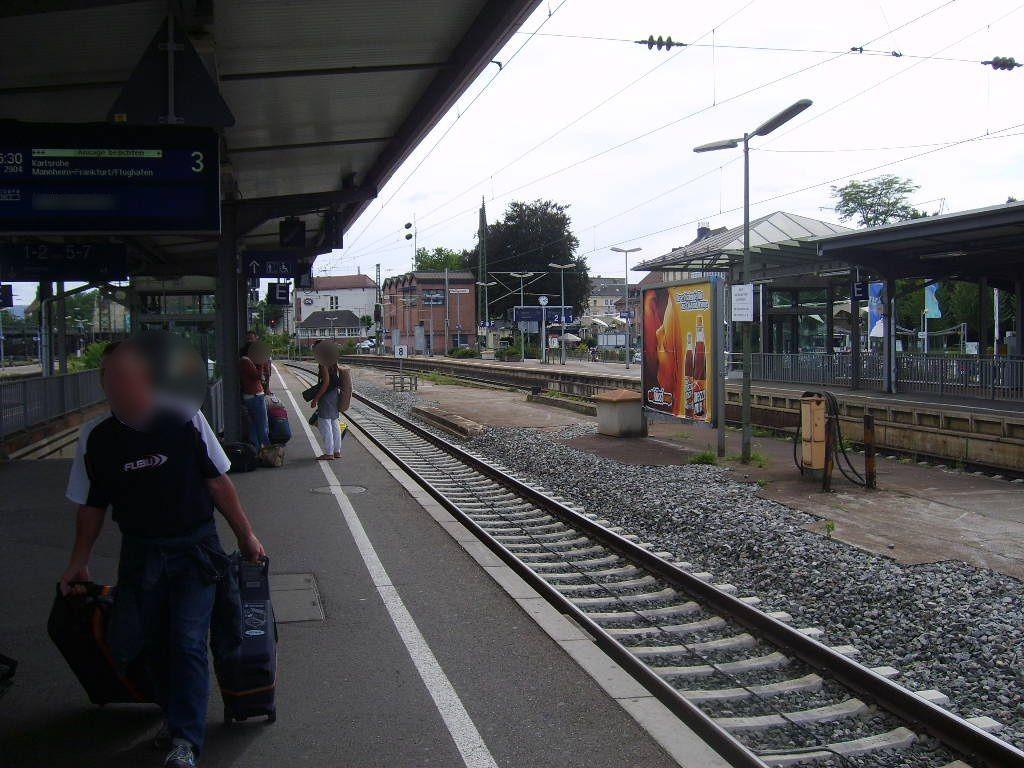 Hbf, Zwi-Bstg., Gleis 3, 1. Sto.