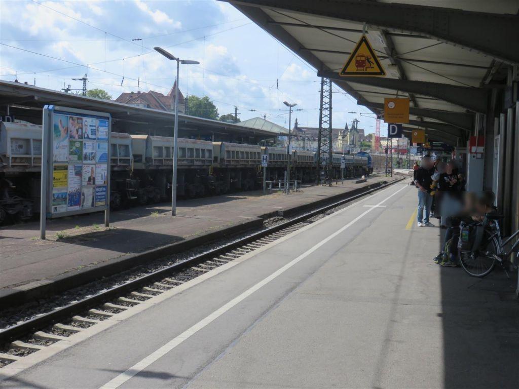 Hbf, Zwi-Bstg., Gleis 4, 3. Sto.