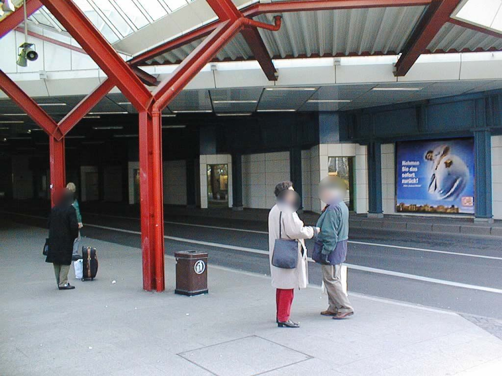 Hbf, Harry-Epstein-Platz, Buspassage, geg. Hst