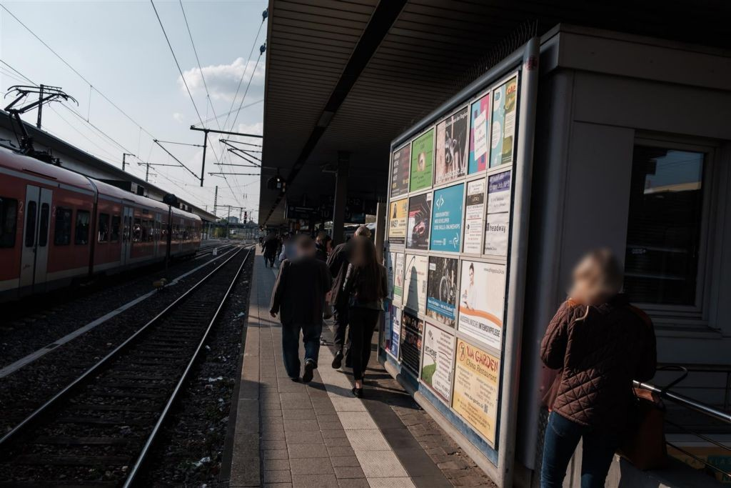 Hbf, Bstg.,Gleis 10,Sozialgebäude
