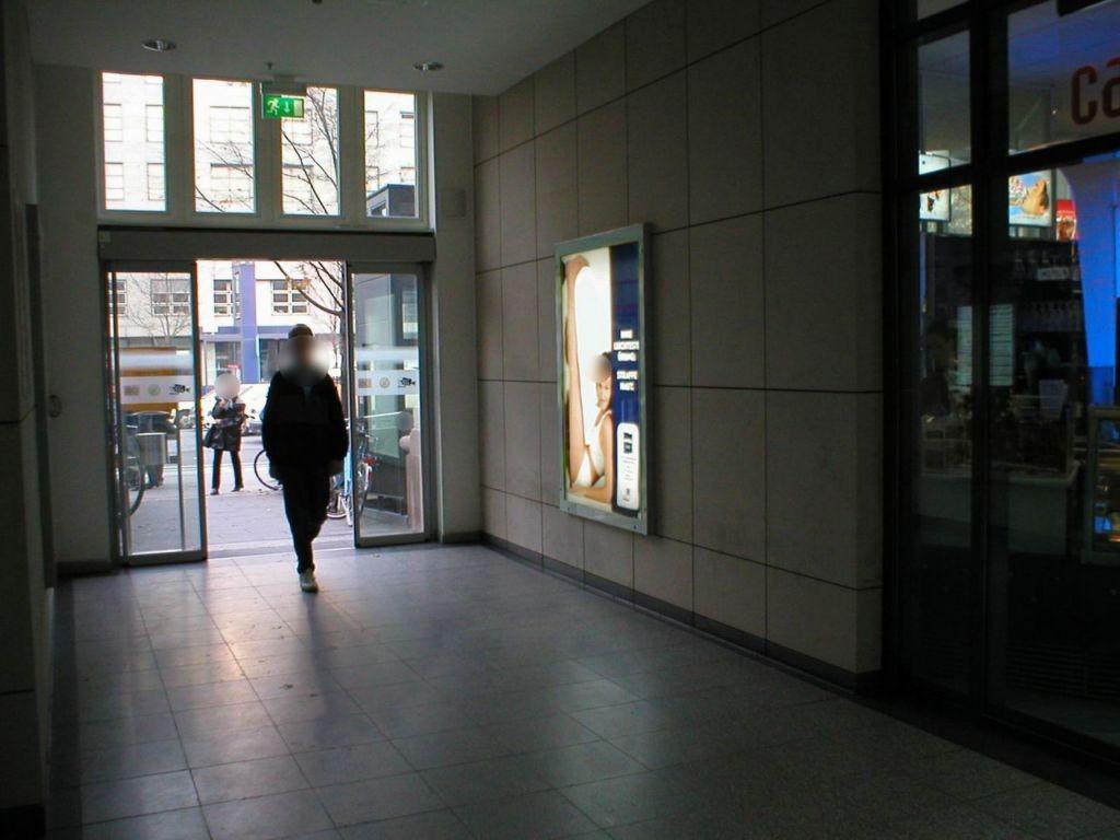 Hbf, Ostmall,Passage, RichtungVorplatz, rechts