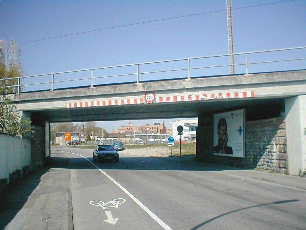 Ernst-Blickle-Str./DB-Brücke sew.