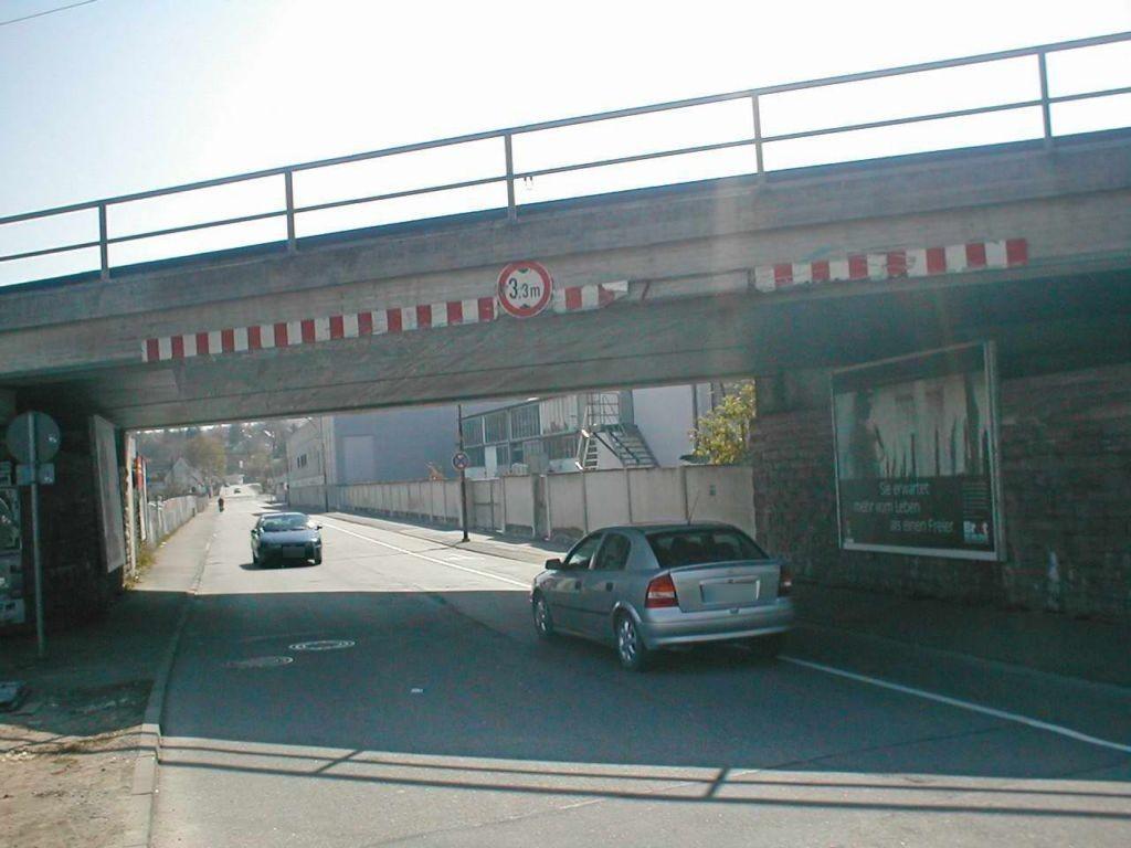 Ernst-Blickle-Str./DB-Brücke saw.