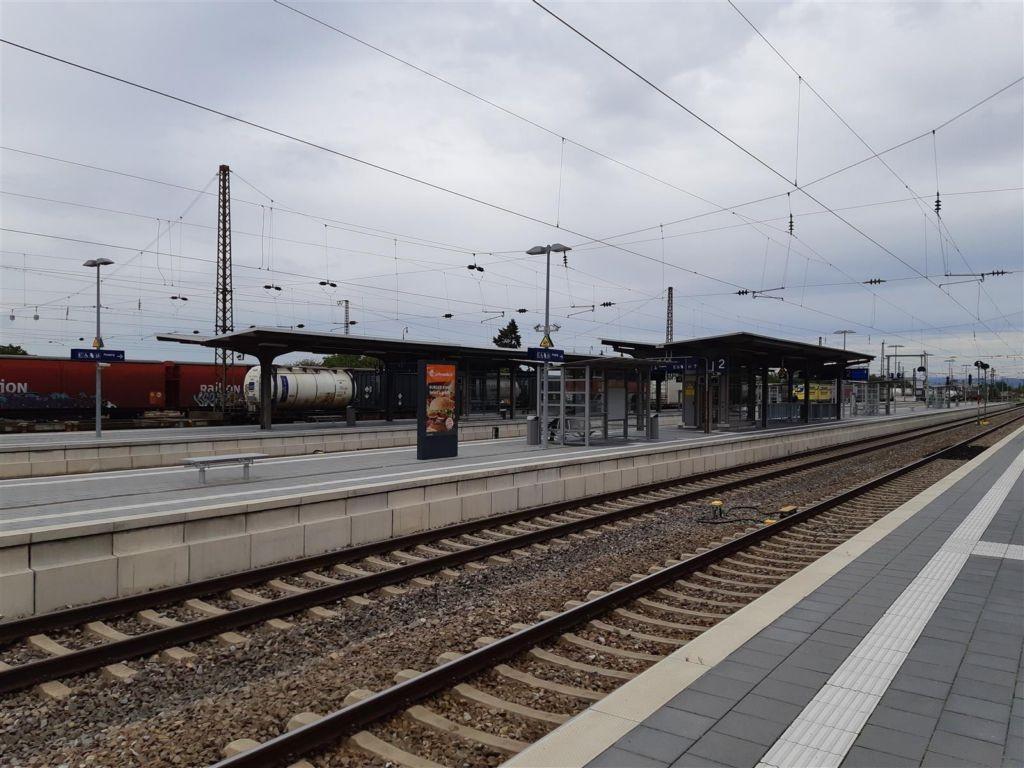 Bf Friedrichsfeld, Bstg., Gleis 2