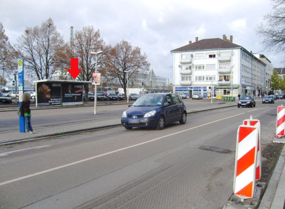 Bf, Bf-Vorplatz, Busbstg. 2, Wartehalle 2 /VS