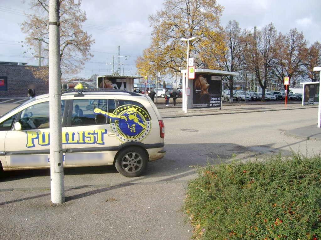 Bf, Bf-Vorplatz, Busbstg. 2, Wartehalle 1 /VS