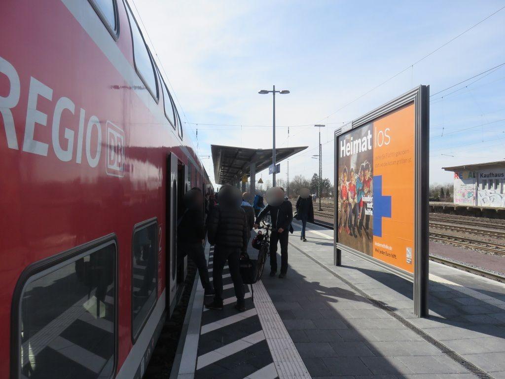 Bf., Bahnsteig, Gleis 1