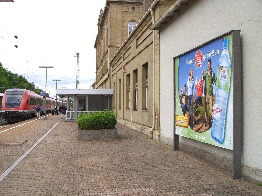 Bf, Bahnhofsgebäude, Gleis 1