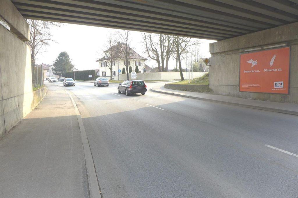 Deggendorfer Str., DB-Brücke, rechts