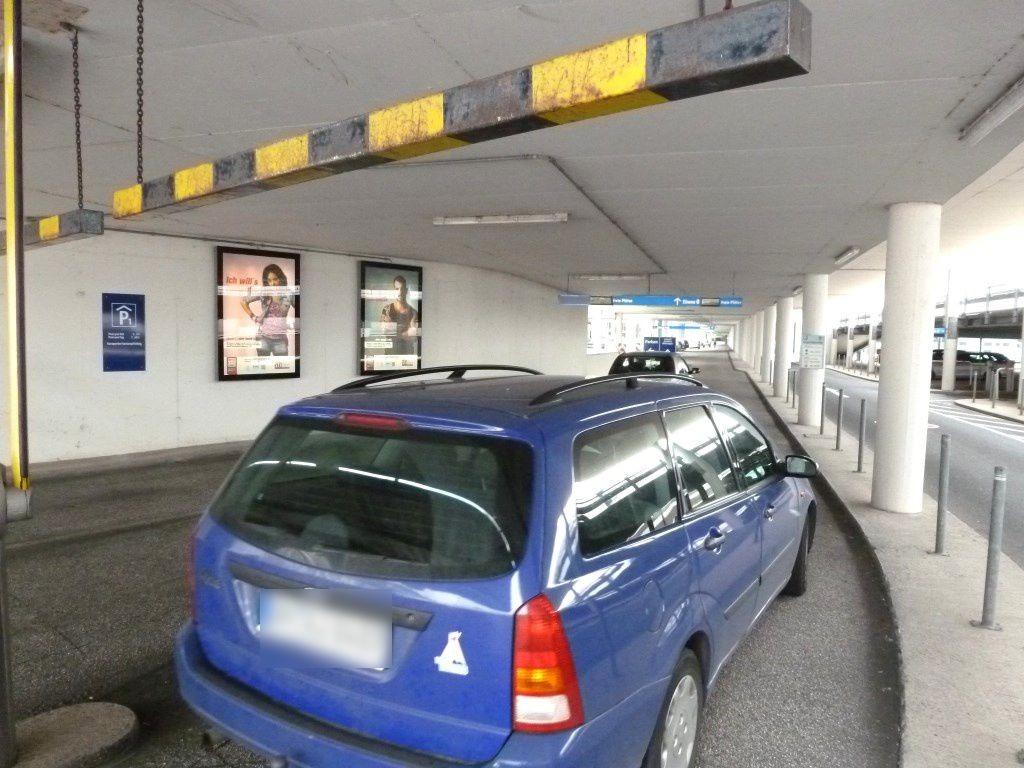 Flughafen Einf./Ankunft Ebene 0 li.