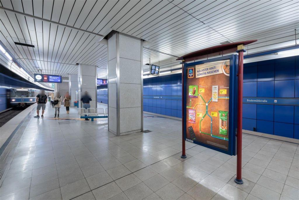 Brudermühlstr./U-Bahnsteig Gleis 1, 2. Sto.