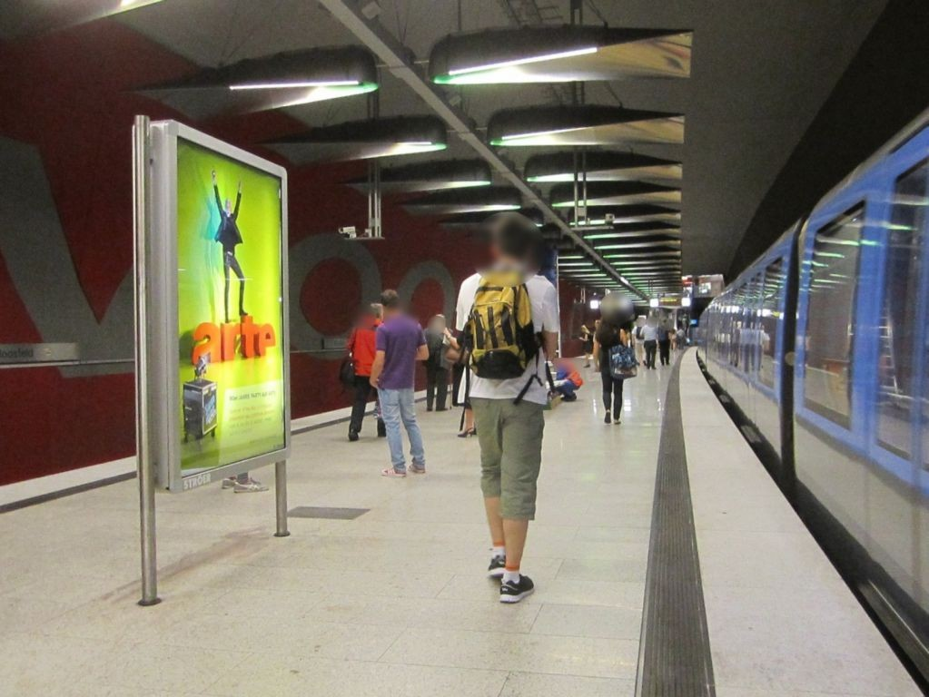 Moosfeld/U-Bahnsteig Gleis 1, 2. Sto.