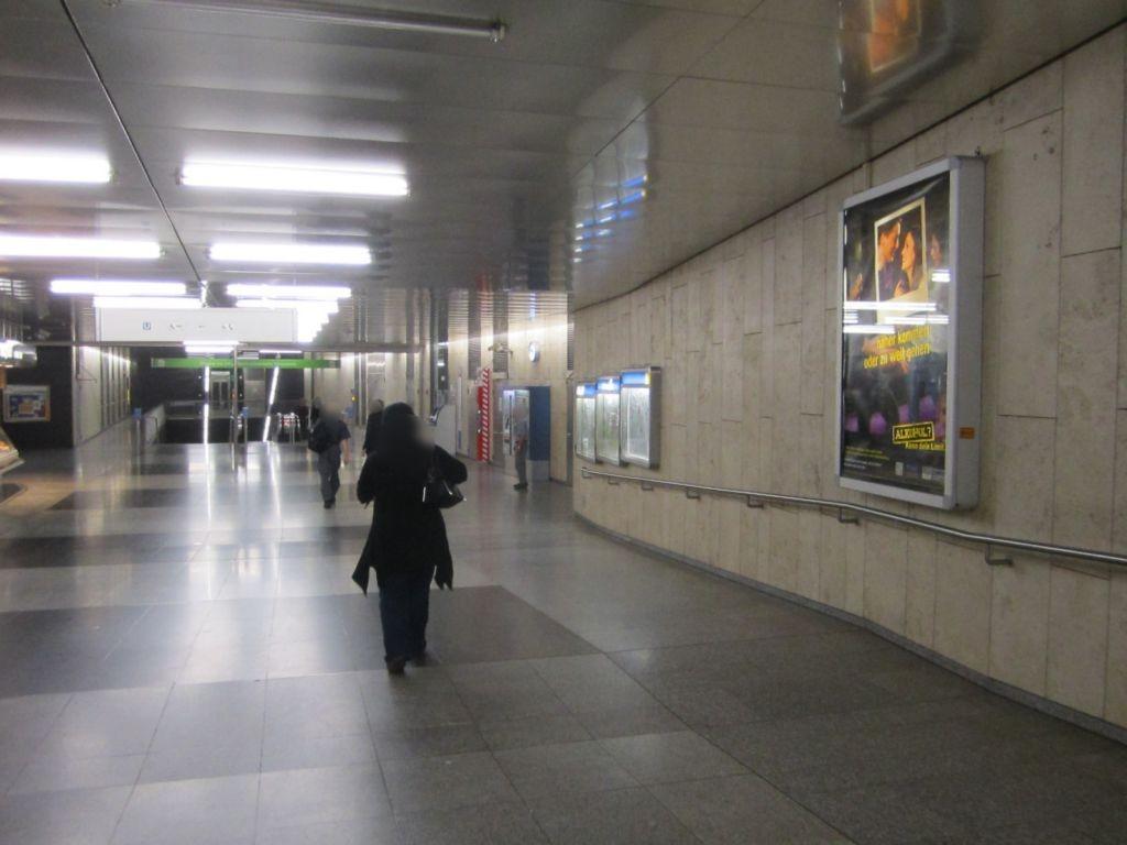 Wettersteinplatz Durchg. Stadion links