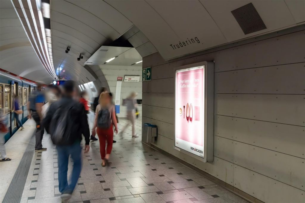Trudering/Bahnsteig Gleis 2, 1.Sto.