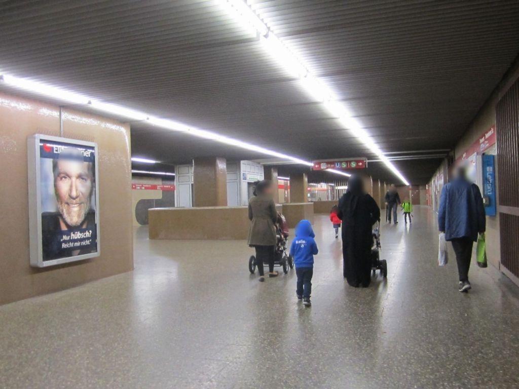 Giesing/U-Bahn/Mittelpfeiler li.