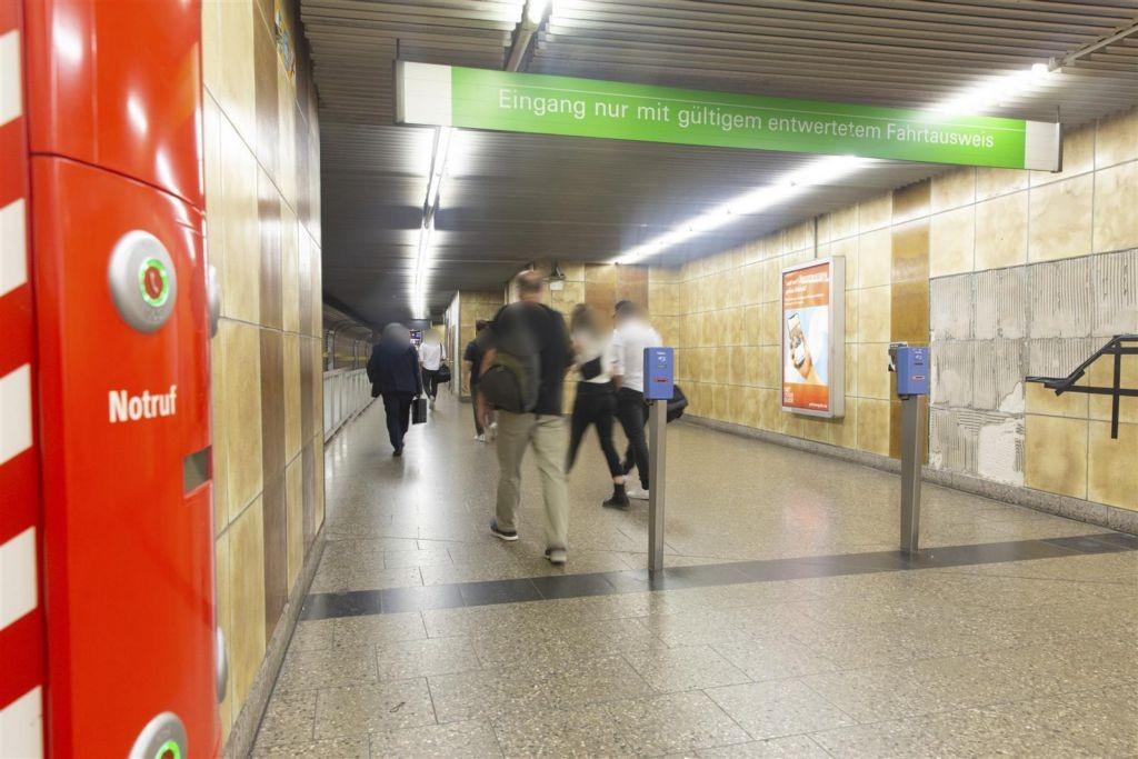 Heimeranplatz Zug. Bahnsteig