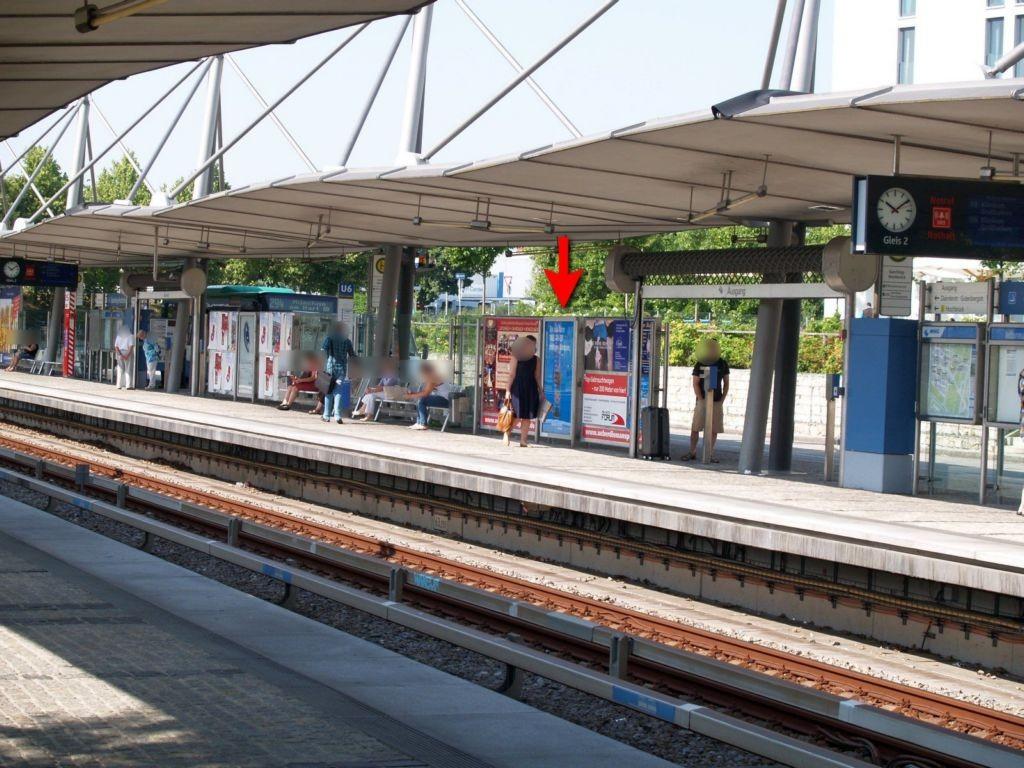 GARCHING-HOCHBRÜCK / U-Bahnsteig Sto. 2.2