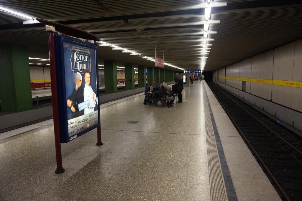 Innsbrucker Ring/U-Bahnsteig Gleis 4