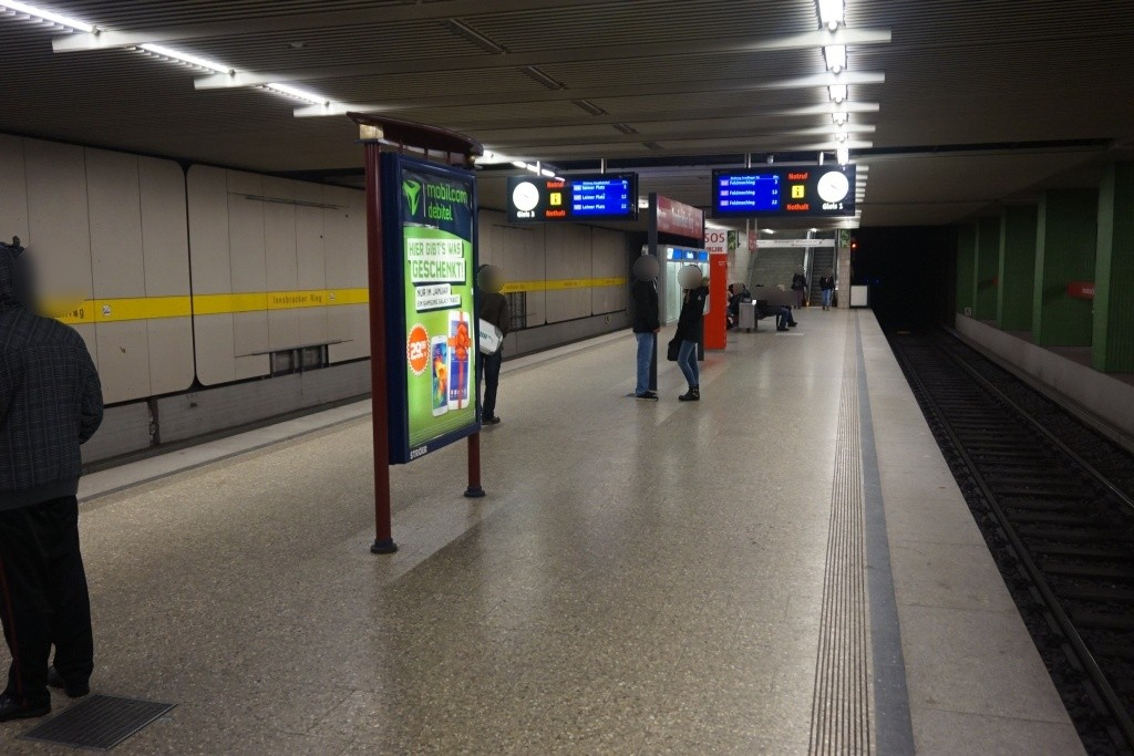 Innsbrucker Ring/U-Bahnsteig Gleis 1