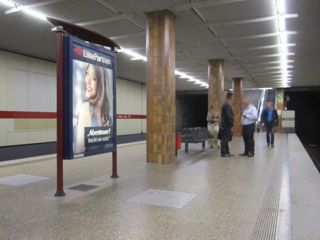 Therese-Giehse-Allee/U-Bahnsteig NS