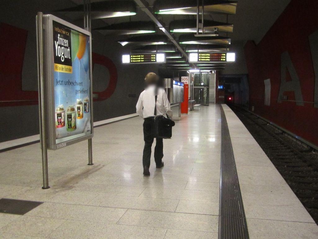 Moosfeld/U-Bahnsteig Gleis 2, 1. Sto.