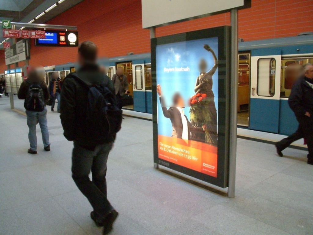 Oberwiesenfeld/ U-Bahnhof Bahnsteig Ost Gleis 2