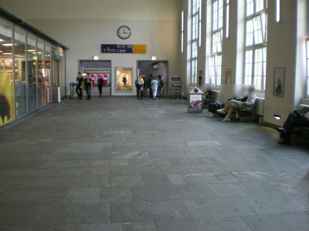 Basel Bad Bahnhof, Ladenpassage, Ri. Empfangshalle